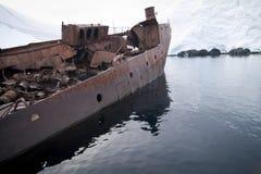 Barca abbandonata di caccia alla balena Fotografia Stock Libera da Diritti