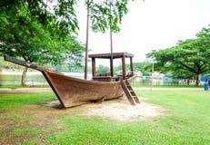 Barca accanto al lago, Shah Alam, Malesia Immagine Stock