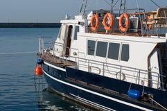 Barca ad un attracco. Fotografia Stock