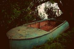 Barca al largo Immagini Stock
