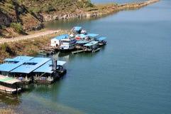 Barca al lato del lago Fotografie Stock