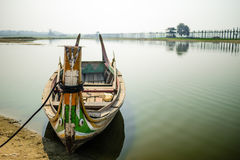 Barca al ponte di U Bein Immagine Stock Libera da Diritti