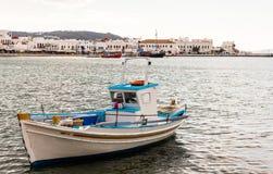 Barca al porto di mykonos Fotografia Stock