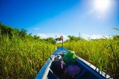 barca al sole fotografia stock