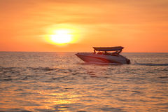 Barca al tramonto Immagine Stock Libera da Diritti