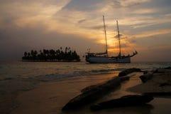 Barca al tramonto, Panama Fotografia Stock