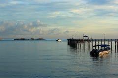 Barca alla spiaggia Fotografie Stock