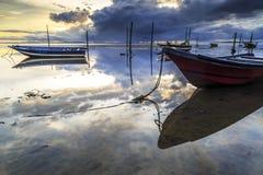 Barca alla spiaggia di aru di Tanjung, Labuan La Malesia 03 Immagine Stock Libera da Diritti