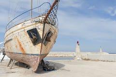 Barca in cantiere navale Immagine Stock Libera da Diritti