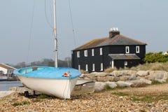 """Barca con """"la Camera nera a Mudeford, Dorset, Regno Unito fotografia stock libera da diritti"""