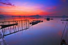 Barca con un bello cielo Fotografie Stock