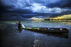 Barca con un bello cielo Fotografia Stock