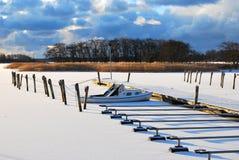 Barca congelata Immagini Stock