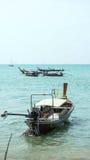 Barca dalla spiaggia fotografia stock