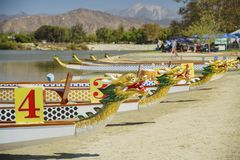 Barca del drago a Santa Fe Dam Recreation Area Immagine Stock