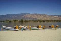 Barca del drago a Santa Fe Dam Recreation Area fotografia stock
