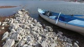 Barca del lago stock footage