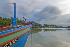 Barca del pescatore a Kuala Besar Jetty, Kota Bharu, Kelantan Immagini Stock