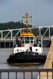 Barca del rimorchiatore Immagini Stock