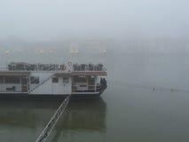 Barca del ristorante sul fiume Immagini Stock Libere da Diritti