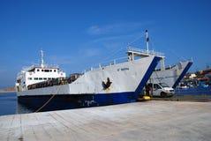 Barca del trasporto, Halki fotografie stock libere da diritti