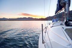 Barca dell'oceano di navigazione Fotografie Stock