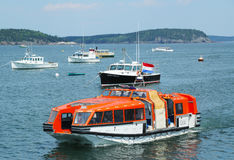 Barca dell'offerta di Holland America Cruise Ship Maasdam Fotografia Stock Libera da Diritti