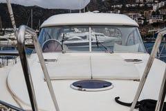 Barca dettagliatamente in un porto fotografia stock libera da diritti