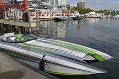 Barca di corsa di potenza dell'oceano fotografie stock
