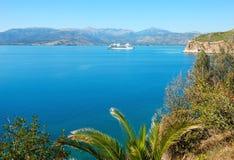 Barca di crociera nel mare della Grecia Immagini Stock Libere da Diritti
