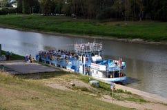 Barca di escursione Immagini Stock