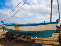 Barca di Fisher su un rimorchio Fotografia Stock