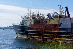 Barca di fissatura sull'unione del lago vicino a Seattle fotografia stock