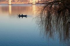 Barca di fiume d'annata di pesca Fotografia Stock Libera da Diritti