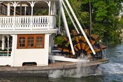 Barca di fiume della rotella di pala Fotografie Stock Libere da Diritti