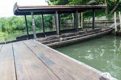 Barca di legno di stile tailandese Immagine Stock