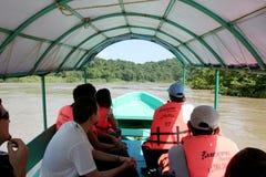Barca di legno sul fiume di Usumacinta Immagini Stock