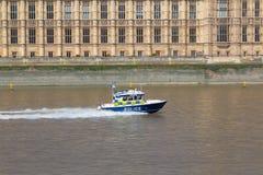 Barca di polizia nel Tamigi Fotografie Stock Libere da Diritti