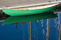 Barca di riga di legno verde Fotografia Stock Libera da Diritti