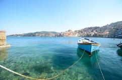 Barca di riga sul mare Immagine Stock