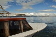 Barca di Titicaca del lago Fotografia Stock