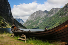 Barca di Vichingo in Gudvangen Fotografia Stock