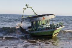 Barca distrutta Fotografie Stock Libere da Diritti
