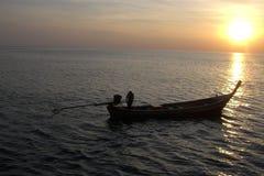 Barca durante il tramonto Fotografia Stock Libera da Diritti