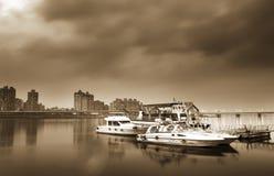 Barca e bacino Immagini Stock Libere da Diritti