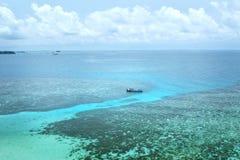 Barca e l'operatore subacqueo Fotografie Stock