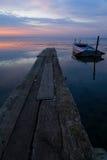 Barca e lago a penombra Fotografia Stock Libera da Diritti