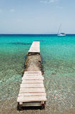 Barca e pilastro Fotografie Stock Libere da Diritti