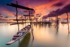 Barca e porto Immagine Stock
