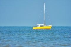 Barca gialla Fotografie Stock Libere da Diritti